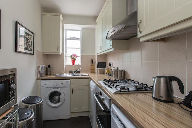 flat for rent in nightingale lane london sw12 2 bedroom