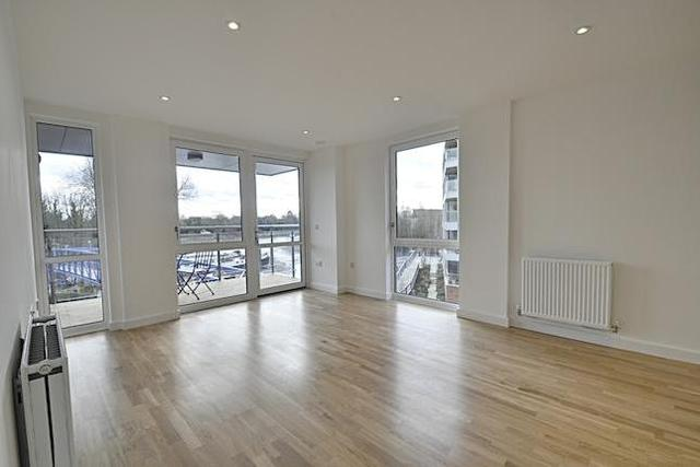 Image of 2 Bedroom Flat  To Rent at Lighterage Court, High Street, Brentford TW8
