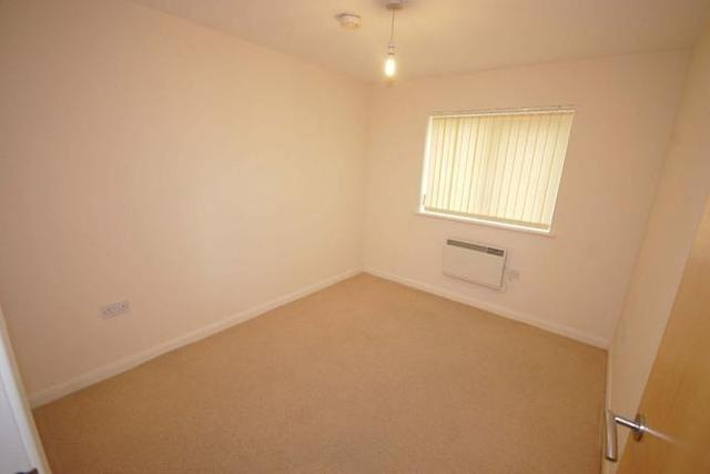 Image of 2 Bedroom Flat  To Rent at Commodore Court, Bar Lane, Aspley NG8