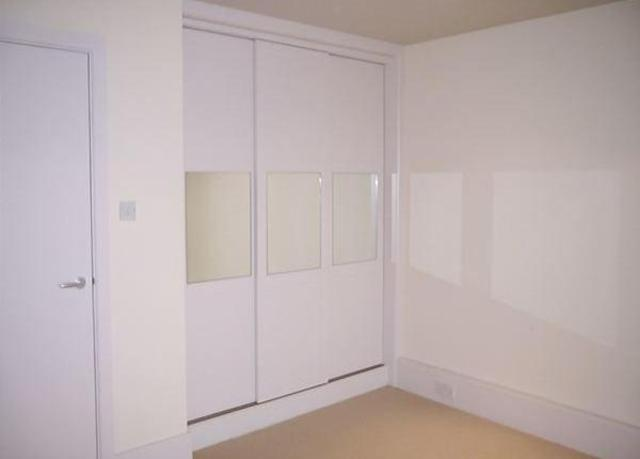 Image of 2 Bedroom Flat to rent in Brighouse, HD6 at Huddersfield Road, Rastrick, Brighouse, HD6