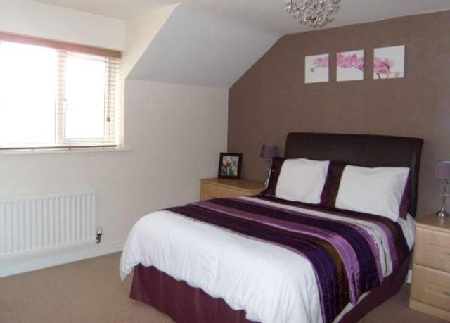 Image of 3 Bedroom Town House to rent in Brighouse, HD6 at Spout Hill, Brighouse, HD6