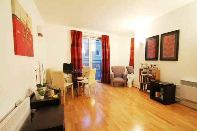 Image of 1 Bedroom Flat to rent in Shadwell, E1 at Plumbers Row, London, E1