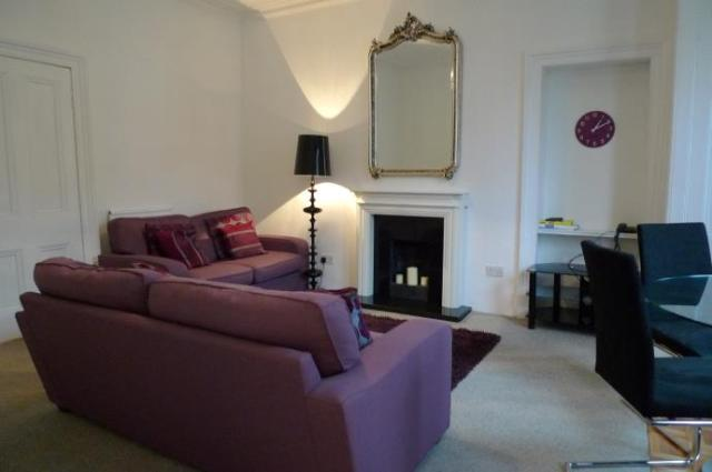 Image of 2 Bedroom Flat  To Rent at Richmond Terrace, Dalry, Edinburgh EH11