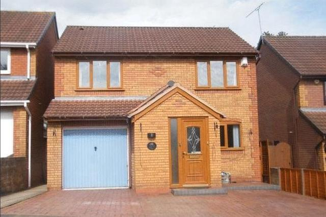 Image of 4 Bedroom Detached for sale at Foxglove Way, Lickey End, Bromsgrove B60