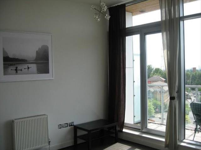 Image of 1 Bedroom Flat to rent at Highbridge Road Highbridge Road, Barking IG11
