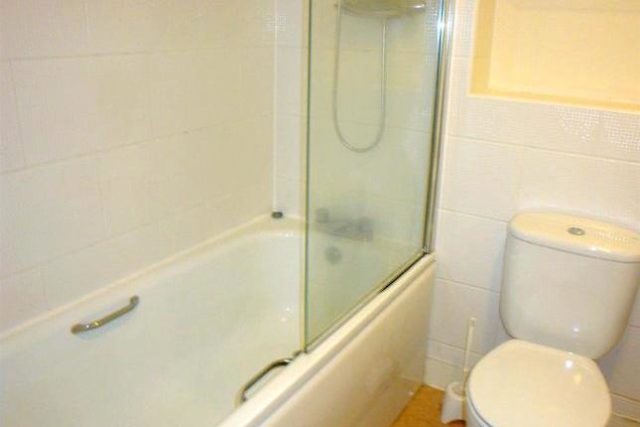 Image of 2 Bedroom Flat to rent at Steele House, Lamba Court, Salford M5