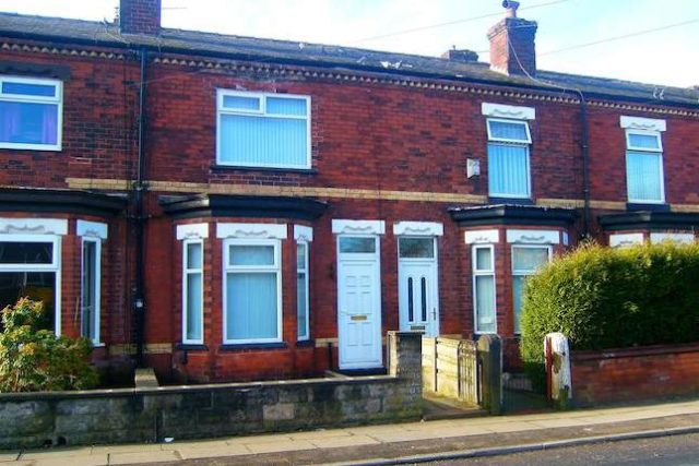Image of 2 Bedroom Terraced for sale at Worsley Road, Eccles, Manchester M30