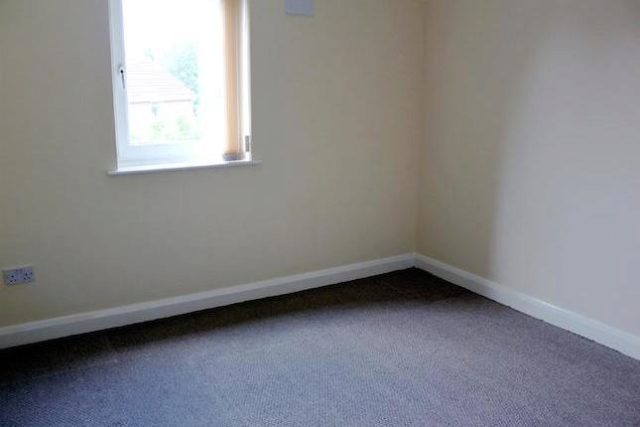 Image of 2 Bedroom Flat to rent at Dukes Court, Wellington Road, Eccles M30