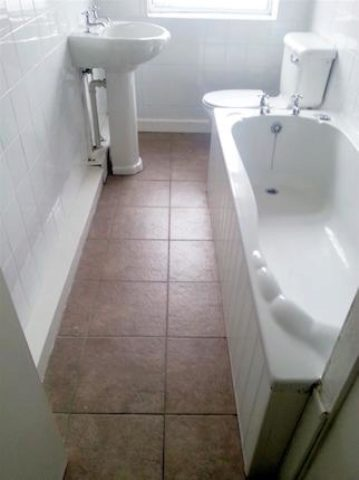 Image of 1 Bedroom Flat to rent at Parrin Lane, Eccles, Manchester M30