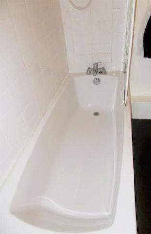 Image of 2 Bedroom Flat to rent at Church Road, Eccles, Manchester M30