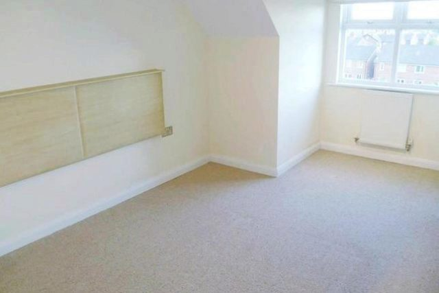Image of 2 Bedroom Flat to rent at Worsley Road, Swinton, Manchester M27