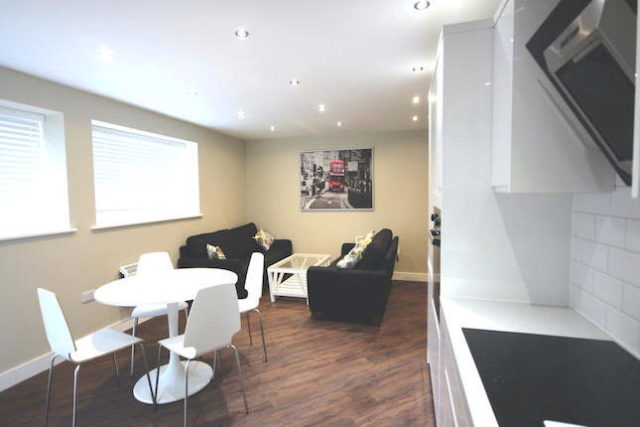 Image of 1 Bedroom Flat for sale in Berkhamsted, HP4 at Water End Road, Potten End, Berkhamsted, HP4
