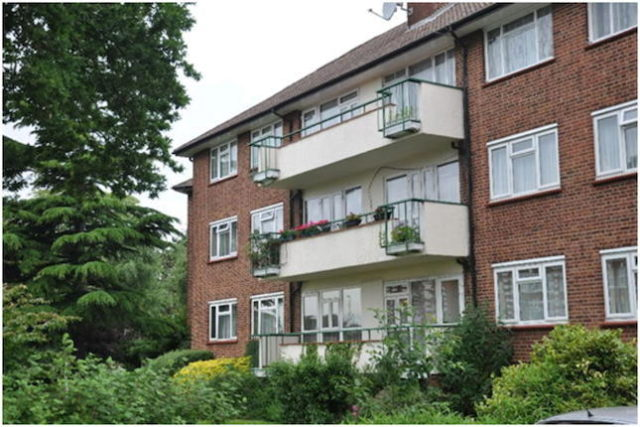 Image of 2 Bedroom Flat for sale in Palmers Green, N13 at Green Lanes, London, N13
