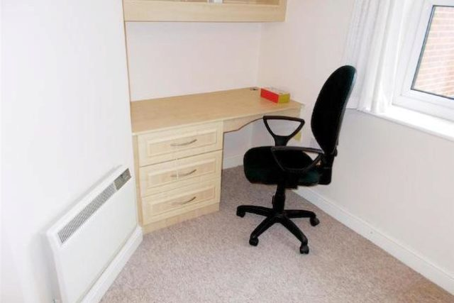 Image of 3 Bedroom Flat to rent at Half Edge Lane, Eccles, Manchester M30