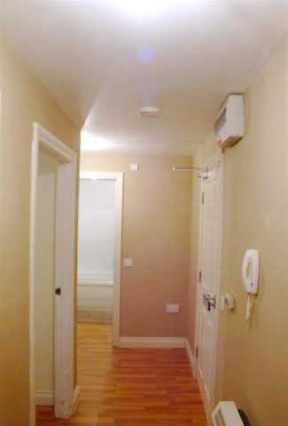 Image of 1 Bedroom Flat to rent at Little Moss Court, Little Moss Lane, Swinton M27