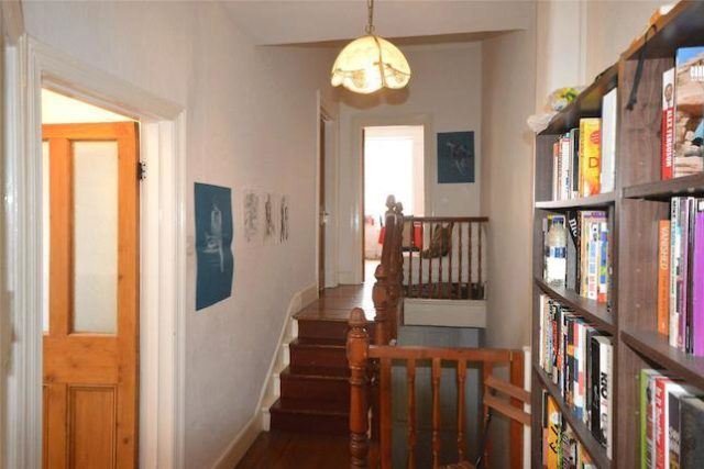 Image of 2 Bedroom Flat to rent at Crescent Road, Alexandra Park, London N22