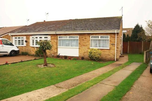 Image of 2 Bedroom Semi-Detached Bungalow to rent in Clacton-on-Sea, CO16 at Constable Avenue, Clacton-on-Sea, CO16