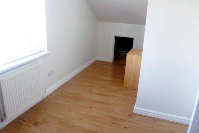 Image of 2 Bedroom Bungalow to rent at Hampden Grove, Eccles, Manchester M30