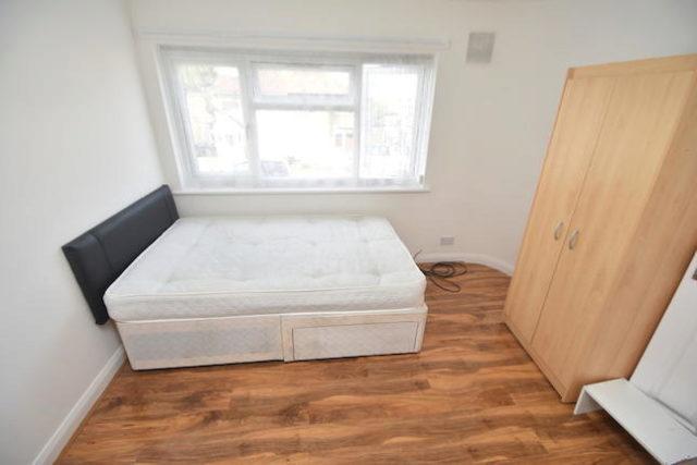 Image of 1 Bedroom Maisonette for sale in Harrow, HA2 at Holyrood Avenue, Harrow, HA2