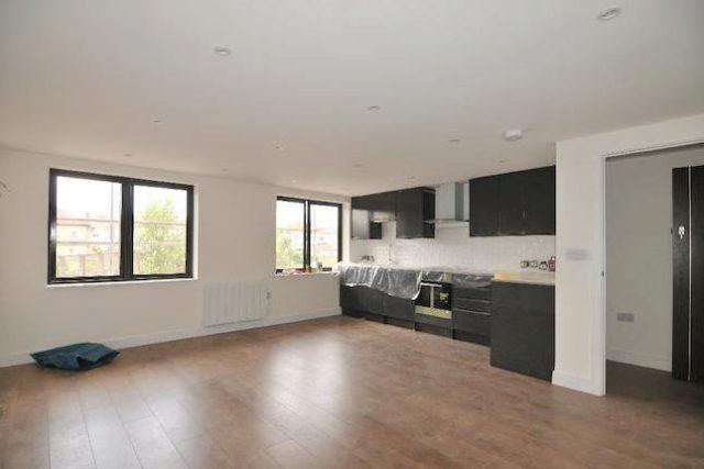 Image of 2 Bedroom Flat to rent in Enfield, EN1 at Ladysmith Road, Enfield, EN1