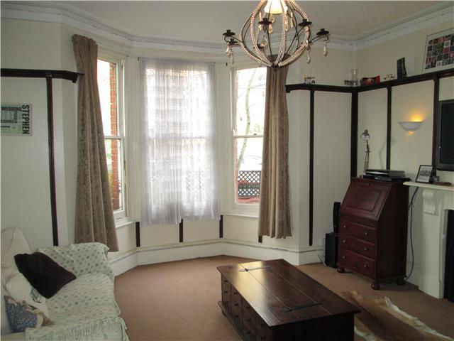 Image of 1 Bedroom Flat  To Rent at St. Johns Road, Kew, Richmond, TW9