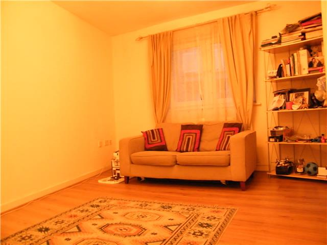 Image of 1 Bedroom Flat  For Sale at Coombe Road, Norbiton, Kingston upon Thames, KT2
