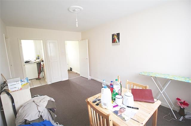 Image of 1 Bedroom Flat for sale at Myddelton Road, London, N8