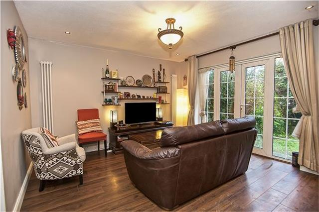 Image of 2 Bedroom Semi-Detached for sale at 5 Charlotte Place, London