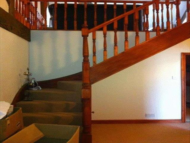 Image of 3 Bedroom Detached to rent at Manchester Road Crosland Moor Huddersfield, HD4 5BW