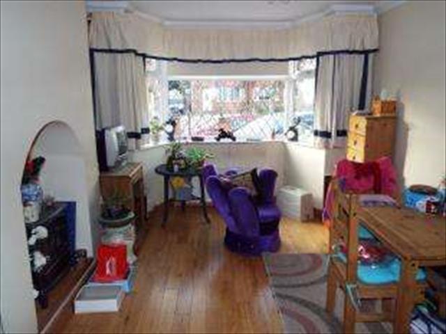 Image of 3 Bedroom Semi-Detached for sale at Birmingham West Midlands Olton, B27 6PG