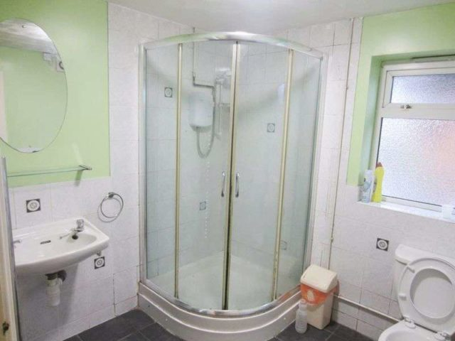 Image of 3 Bedroom Semi-Detached to rent at Tat Bank Road  Oldbury, B68 8NP