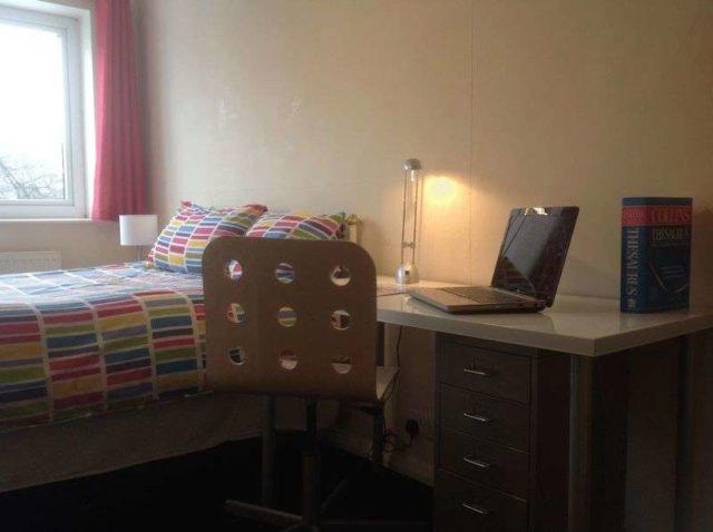 Image of 6 Bedroom Detached to rent at Springwood Hall Gardens  Huddersfield, HD1 4HA