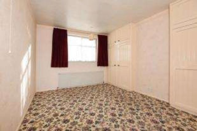 Image of 3 Bedroom Detached for sale at Sidcup  Sidcup, DA14 4NG