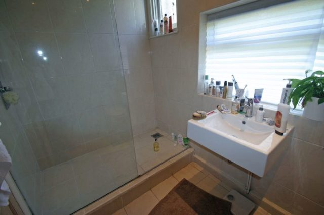 Image of 1 Bedroom Barn Conversion to rent in Bowes Park, N13 at Caversham Avenue, London, N13