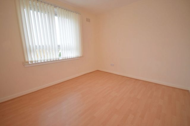 Image of 2 Bedroom Flat to rent in Inverness, IV3 at St. Valery Avenue, Inverness, IV3