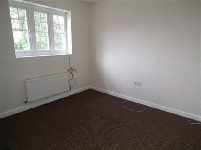 Image of 3 Bedroom Detached to rent in Bradford, BD10 at Corsair Avenue, Idle, Bradford, BD10
