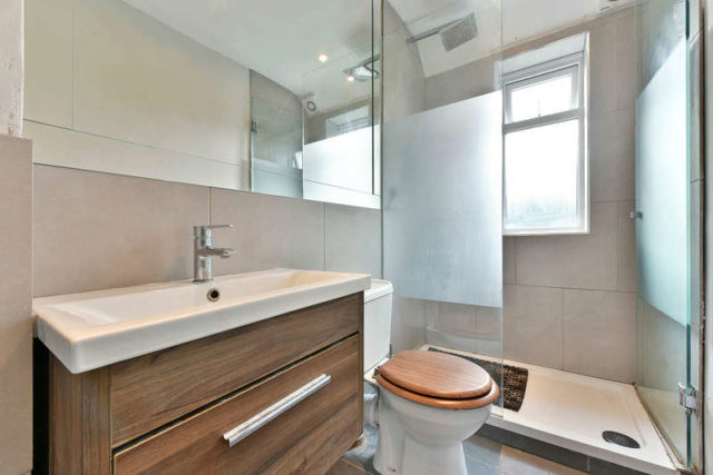 Image of 2 Bedroom Flat for sale in Ruislip, HA4 at Beechwood Avenue, Ruislip, HA4