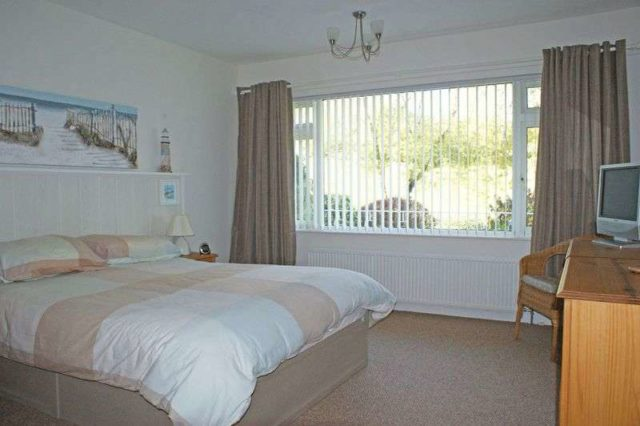 Image of 2 Bedroom Flat for sale in Budleigh Salterton, EX9 at Lansdowne Road, Budleigh Salterton, EX9