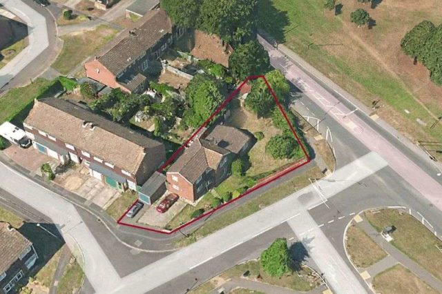 Image of 4 Bedroom Detached for sale at Testbourne Close Totton Southampton, SO40 8BT