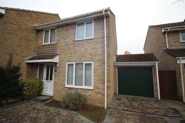 Image of 3 Bedroom Semi-Detached for sale at Le Temple Road Paddock Wood Tonbridge, TN12 6HY