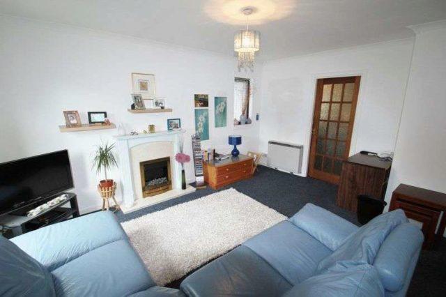 Image of 2 Bedroom Flat for sale at Burgh Mews  Alloa, FK10 1HS