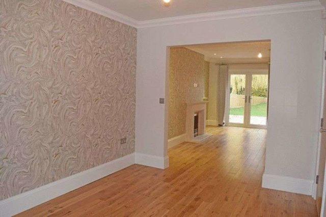Image of 5 Bedroom Detached for sale at Farleigh Road  Warlingham, CR6 9EL