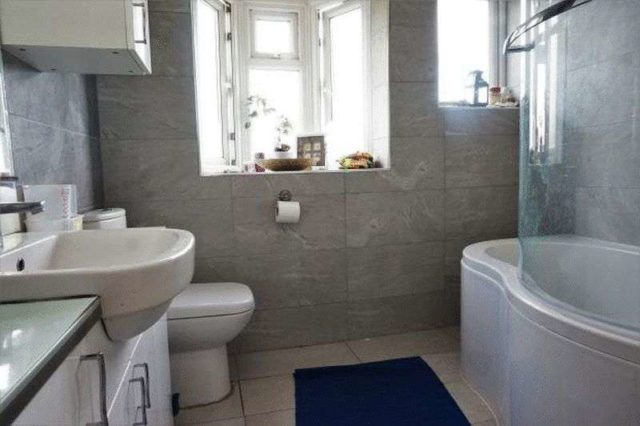 Image of 5 Bedroom Terraced for sale at Springfield Avenue  London, SW20 9JZ