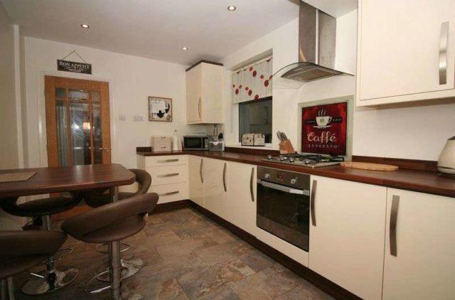Image of 3 Bedroom Semi-Detached for sale at Kingsley Road  KINGSWINFORD, DY6 9RU