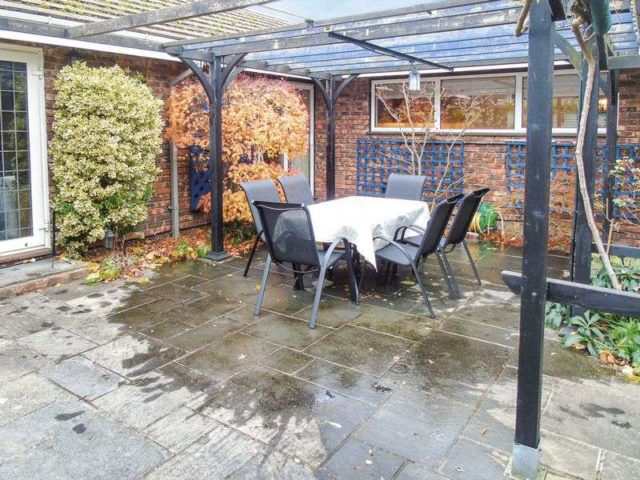 Image of 3 Bedroom Detached for sale at Oaklea  Welwyn, AL6 0PU
