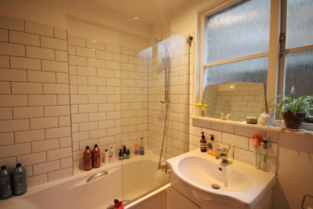 Image of 1 Bedroom Flat to rent at Dalston  London, E8 2EE