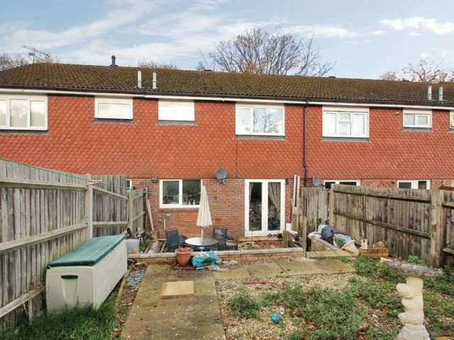 Image of 3 Bedroom Terraced for sale at Stoneycroft Walk Ifield Crawley, RH11 0SP