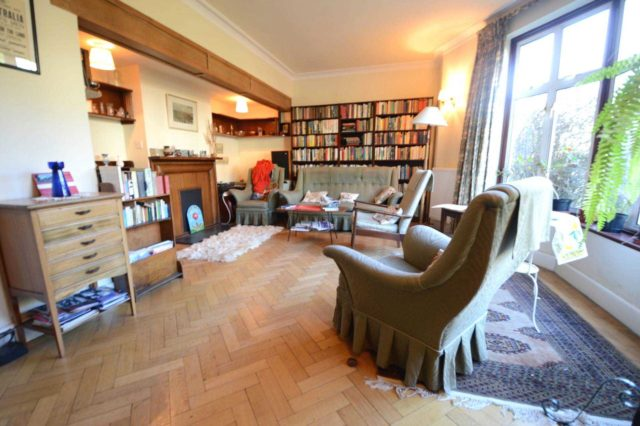 Image of 3 Bedroom Semi-Detached for sale in New Southgate, N11 at Dale Green Road, London, N11