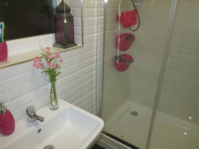 Image of 1 Bedroom House Share to rent at Yardley Wood Road Moseley Birmingham, B13 0HX