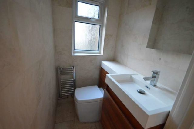 Image of 5 Bedroom Terraced to rent in Bowes Park, N13 at Devonshire Road, London, N13